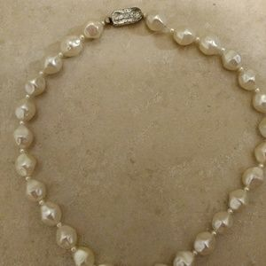 "Faux barouqe pearl bead necklace 18"" vintage"